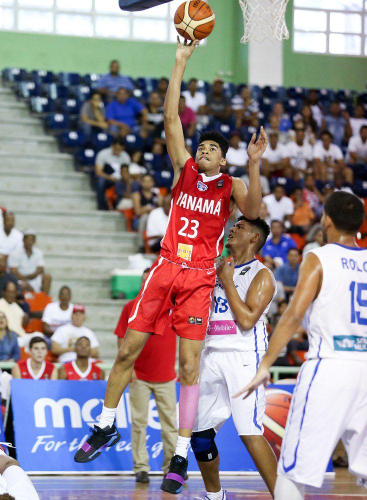 Panameño Ricardo Lindo se destaca en el baloncesto universitario con 13 puntos para Maryland