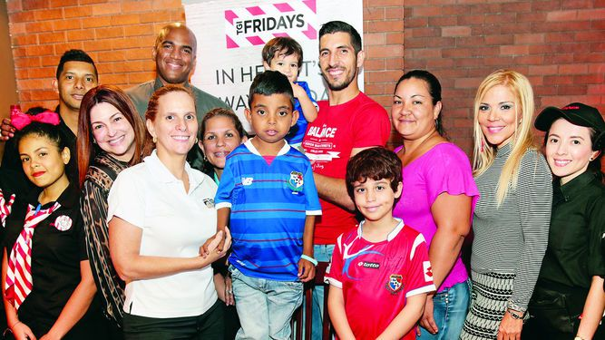 Friday's apoya a la Fundación Cúrame