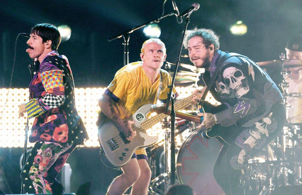 Red Hot Chili Peppers vende su catálogo