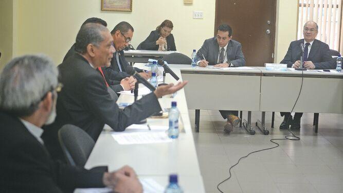 Dudas sobre el papel de la comisión especial evaluadora