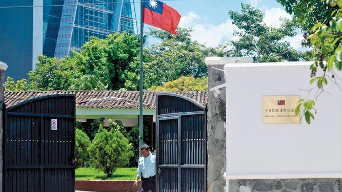 Estados Unidos llama a sus jefes diplomáticos de Panamá y dos países más, para preguntar por Taiwán