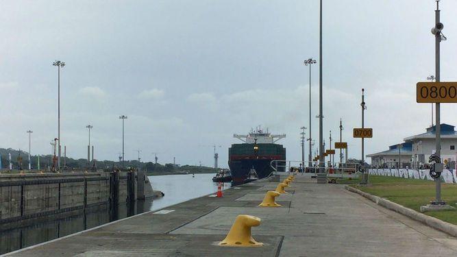 Se inicia el tránsito inaugural por el Canal ampliado
