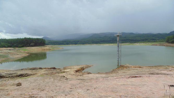 Laguna de La Yeguada agoniza por larga sequía