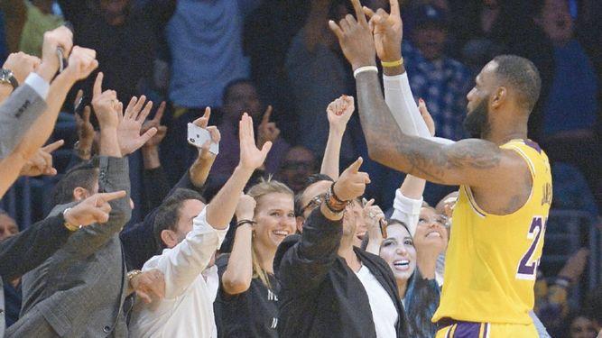 Lakers de LeBron no levantan; Raptors, con paso firme