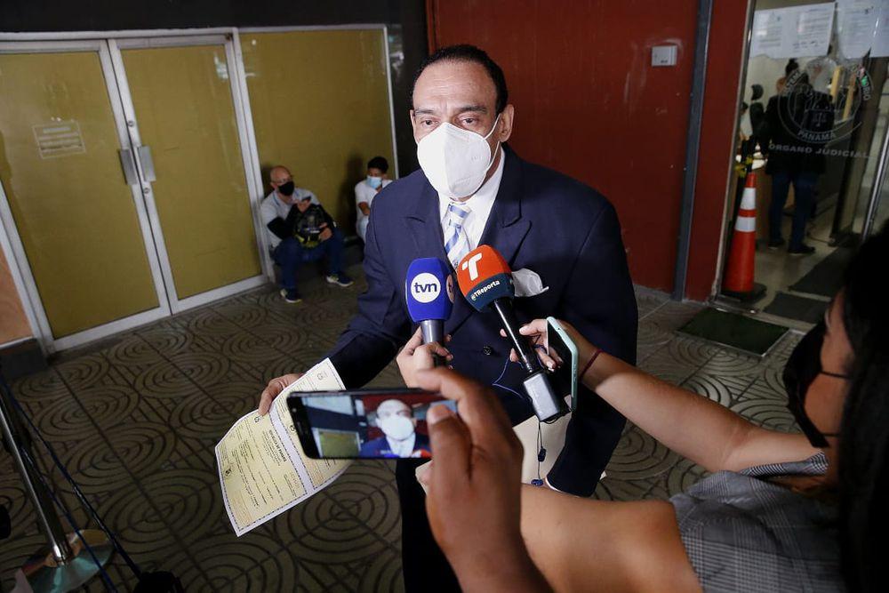 Denuncian que fiscal y juez en caso de Tony Ng son hermanos