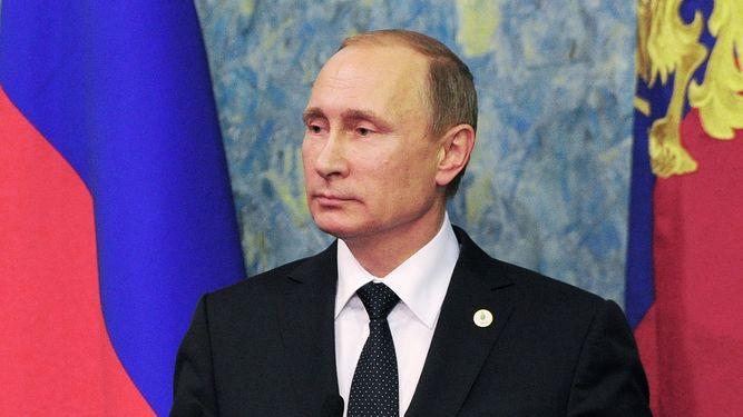 Vladimir Putin asegura que Turquía derribó el avión ruso para proteger las reservas de petróleo de Daesh