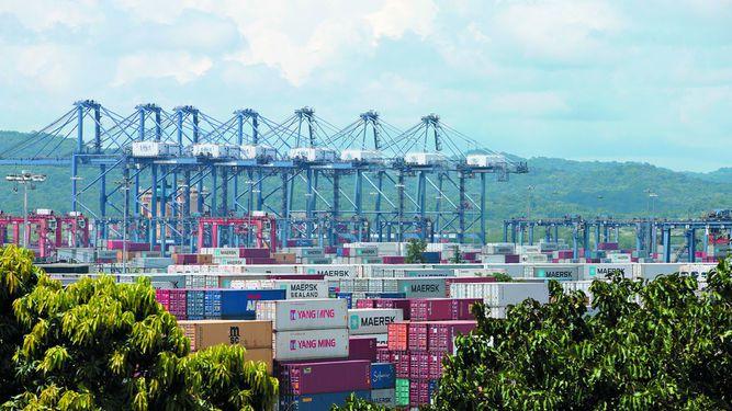 Movimiento de TEU en los puertos locales  creció 4.2%