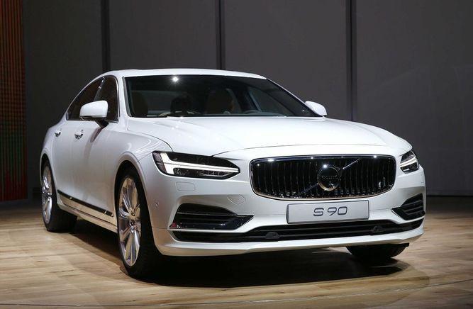 Volvo retira 127 mil autos por falla en acondicionador de aire