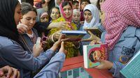 Malala celebra su 18 cumpleaños con niñas sirias refugiadas en el Líbano