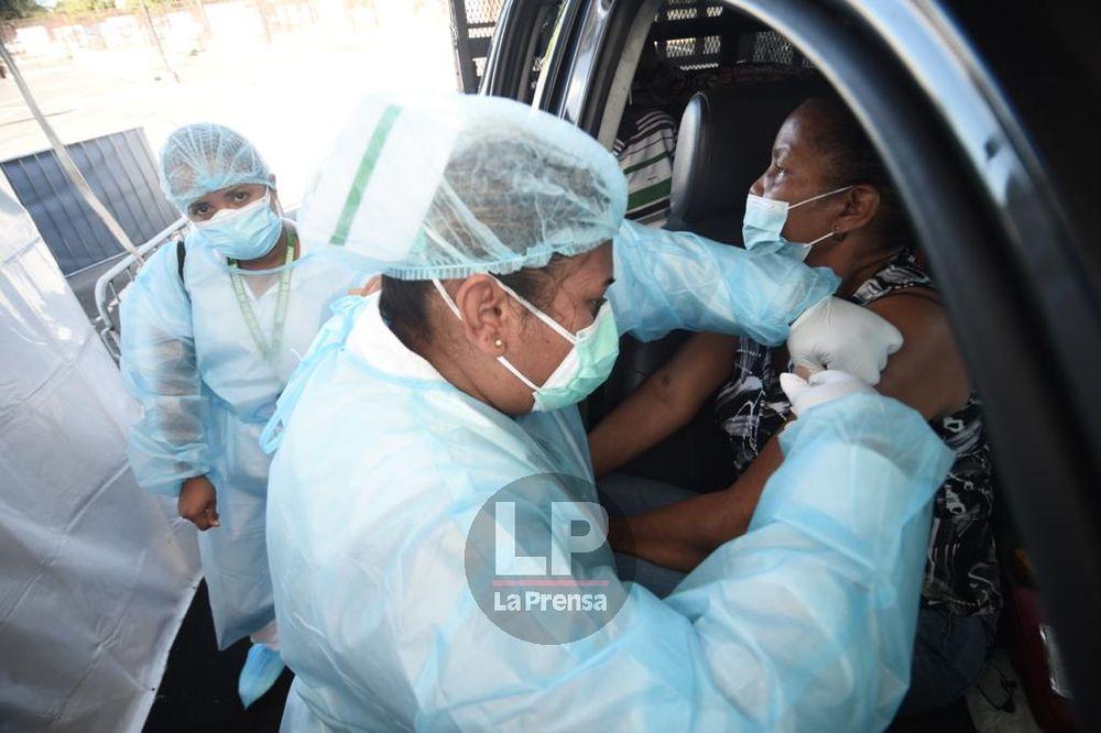Director de Epidemiología reitera que hay que seguir con medidas de bioseguridad; apenas se ha vacunado el 6.4% de la población