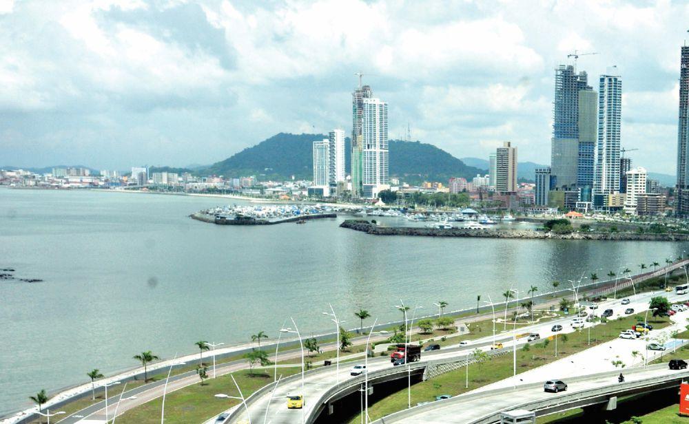 Gobierno anuncia la creación de un programa de residencia para inversionistas calificados