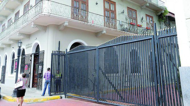 INAC: portones afectan 'autenticidad' del Casco Antiguo
