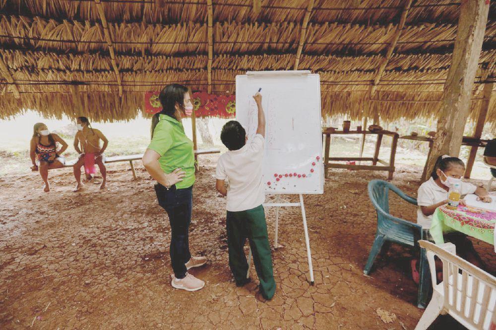 Panamá tiene mil 384 escuelas desconectadas de internet: AIG