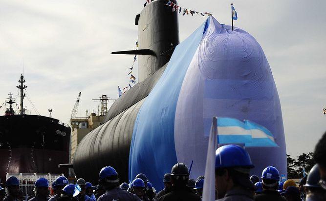 Armada de Argentina no da por muertos a los tripulantes de submarino desaparecido