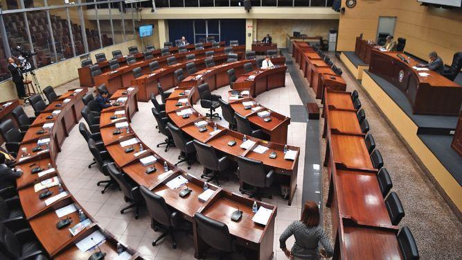 Diputados reaccionan parcos; llega denuncia a la Asamblea Nacional
