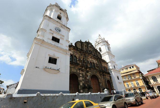 Comité culmina pliego para restaurar Catedral Metropolitana