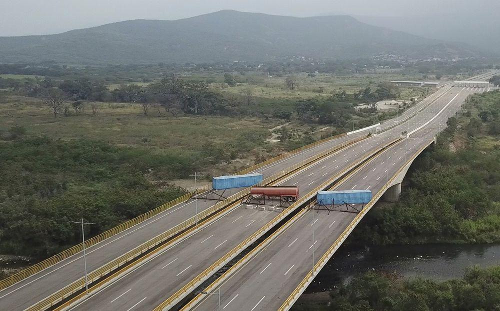 Maduro asegura que impedirá el 'show' de la ayuda humanitaria