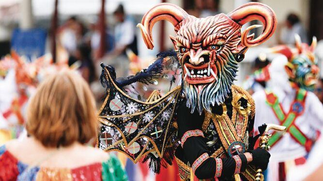 Festejo cultural y religioso en las calles