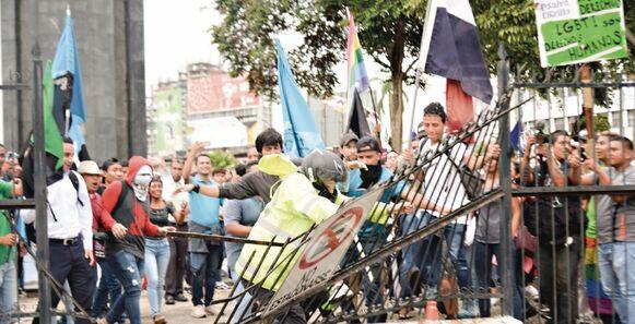 'Ellos son gais y no pueden entrar': Bolota Salazar