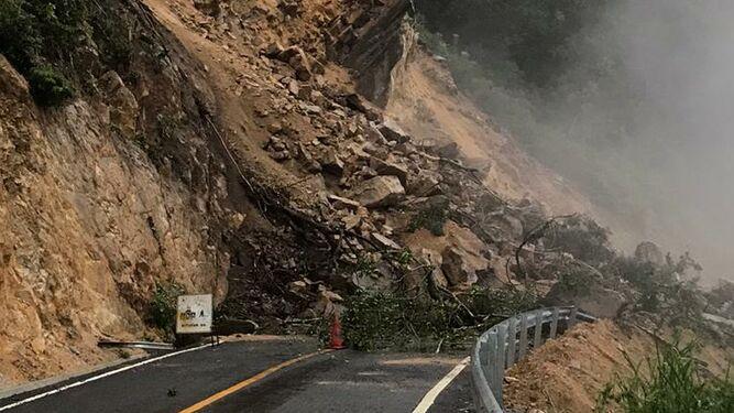 Autoridades evalúan derrumbes en Coclé; buscan estabilizar el área