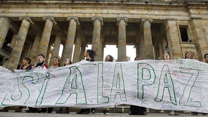 Cancilleres de Chile y Uruguay piden que Colombia retome camino de la paz