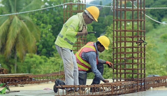 Inversión declarada en permisos de construcción modera su caída