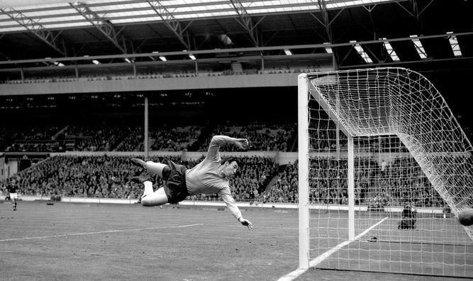 Fallece Gordon Banks, la leyenda inglesa que paró al rey Pelé