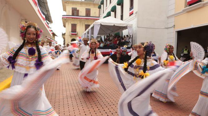 Sin contratiempos, se inicia el desfile del 4 de noviembre en la capital