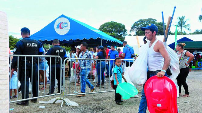Varela : 'El que quiera aspirar tiene que renunciar'