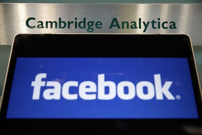Gran Bretaña multa a Facebook por caso Cambridge Analytica