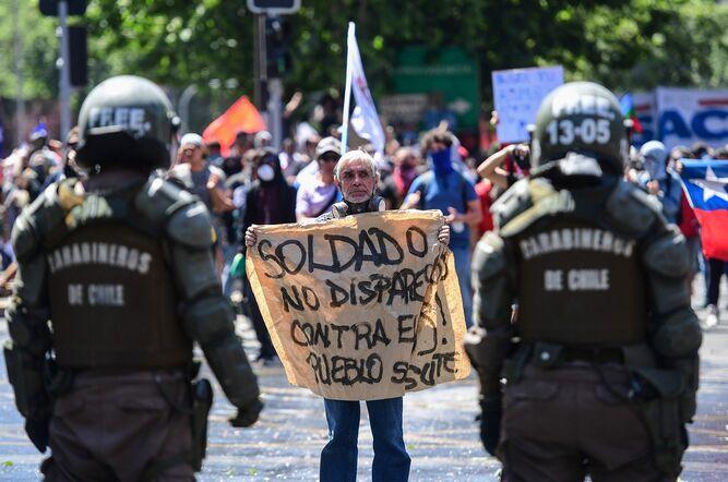 CIDH condena uso de la fuerza y urge al gobierno chileno a entablar diálogo