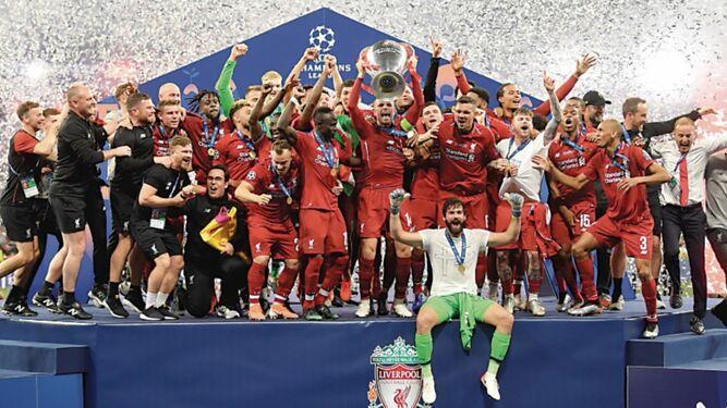 Salah se toma la revancha, Liverpool gana la Champions
