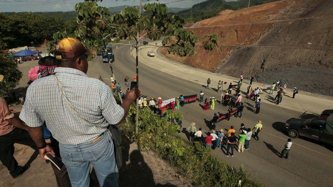 Cámara de Comercio pide reabrir  la vía y permitir continuidad de Barro Blanco