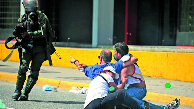 Luis Almagro pide reunión urgente