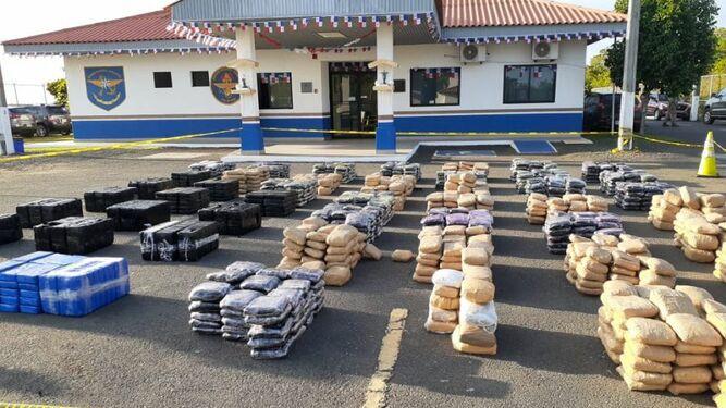 Decomisan 2 mil paquetes de droga en costa de Azuero