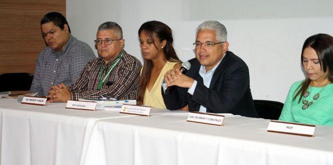 Alcalde Blandón se reúne con residentes de áreas afectadas por inundaciones