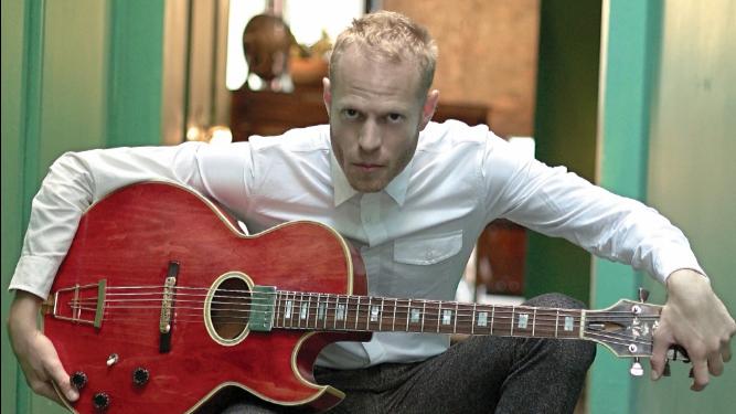 El mundo rítmico del guitarrista Rotem Sivan