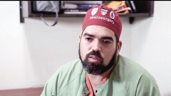 Médico panameño participa en novedosa operación cerebral