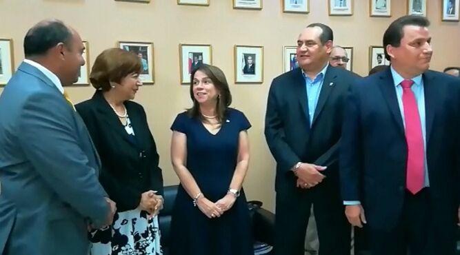 Temas de personal y presupuesto son analizados con nuevas autoridades del Meduca