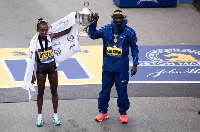 Lawrence Cherono y Worknesh  Degefa ganan el Maratón de  Boston