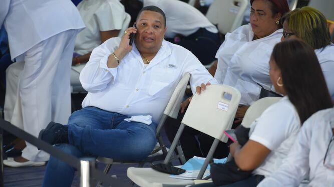 Abuchean al alcalde Colón en Consejo de Gabinete ampliado