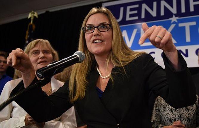 Cámara baja: Demócratas ganan serie de escaños republicanos