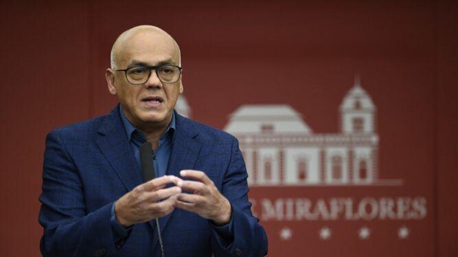 Gobierno venezolano dice que frustó atentados y acusa a presidente colombiano