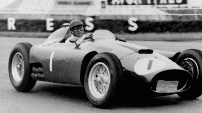 Exhumarán el cadáver de Juan Manuel Fangio