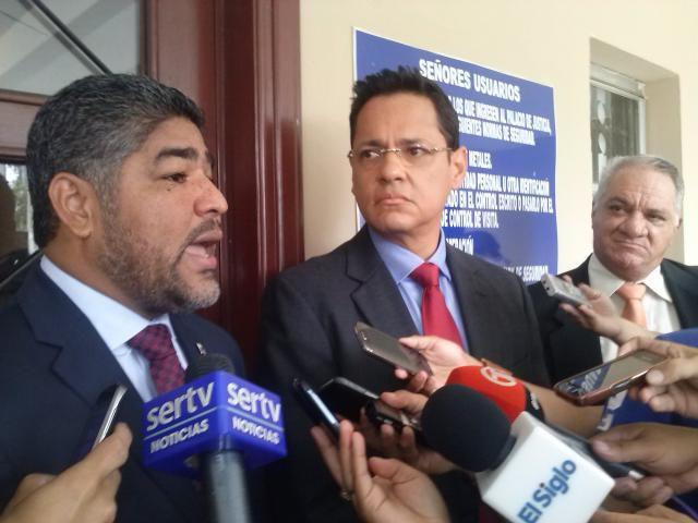 Álvaro Alvarado denuncia a Carlos Afú