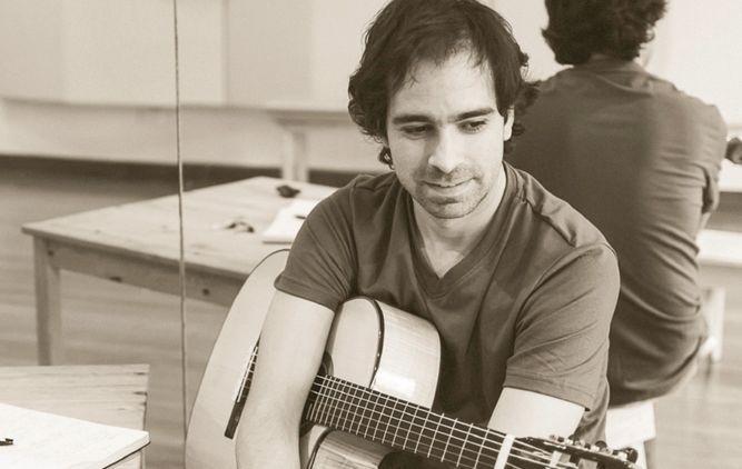 El cantautor panameño Rodrigo Sánchez gana premio