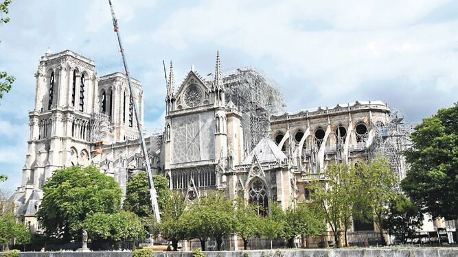 Iglesias francesas en peligro esperan una movilización