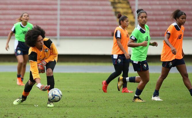 Selección femenina se concentra