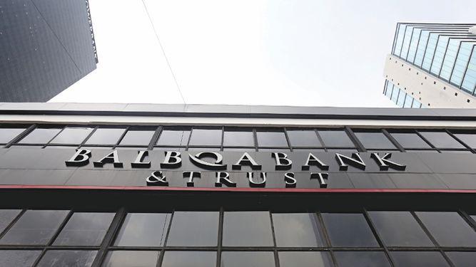 Admiten demanda de accionistas del Balboa Bank por $73 millones