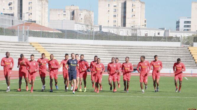 Panamá buscará hoy dar la sorpresa ante los brasileños